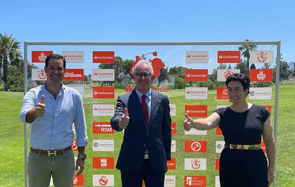 De izquierda a derecha Luis Borho, Nicolás Romero Buenrostro y Alicia Garrido.